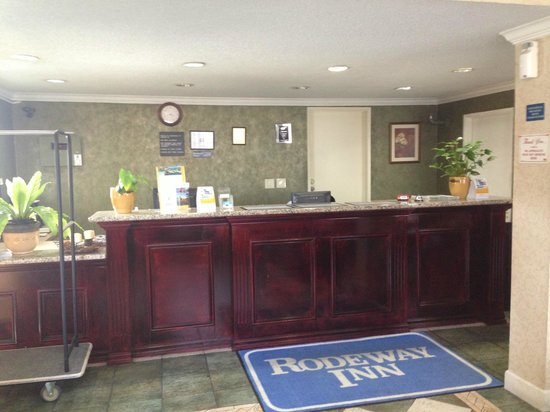 Rodeway Inn Near Stubhub Center: Lobby