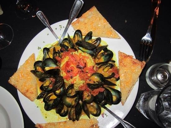 Paradise Beach Grille: Delish mussels!