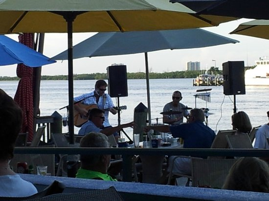 Nervous Nellie's Ft Myers Beach: view from our table