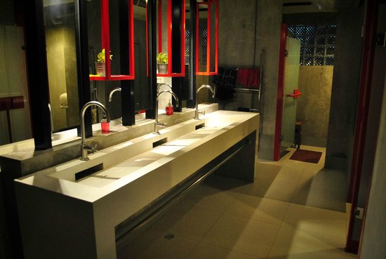 Lub d Bangkok Silom : restrooms