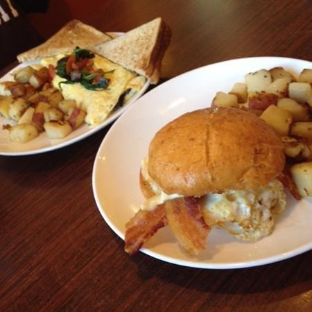 Griddle 145 : 145 egg sandwich & mama's omelet!