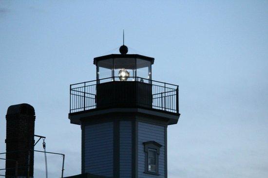Rose Island Lighthouse: Rose Island Light at night