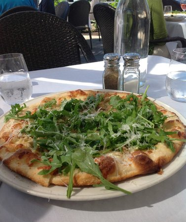 Dundee Bistro - Funghi Pizza