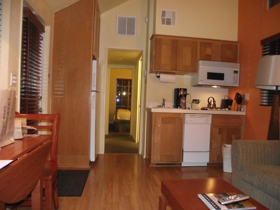 studio type kitchen (2 burner stove) - Picture of RiverPointe Napa ...