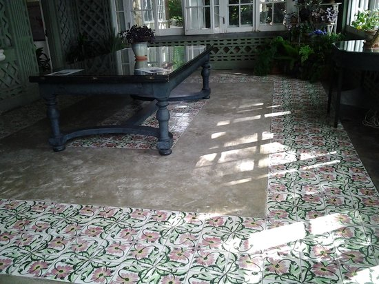 Blithewold Mansion, Gardens & Arboretum: patio floor
