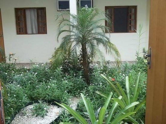 Yes Hotel Pousada: Jardim de inverno