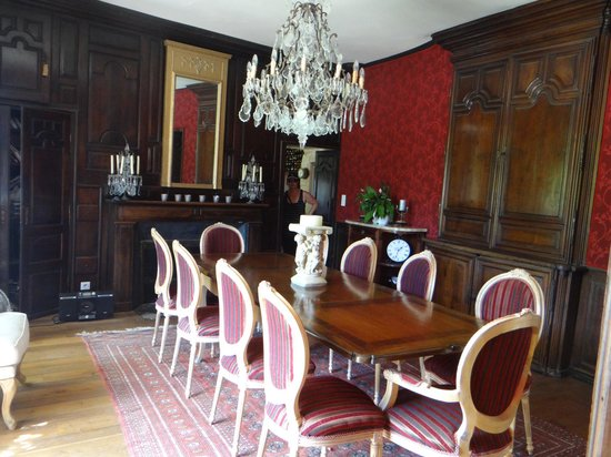 Maison Porte del Marty : Formal dining room