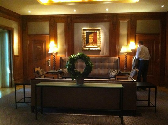 Hotel Diplomat: Our 'personal' sitting room