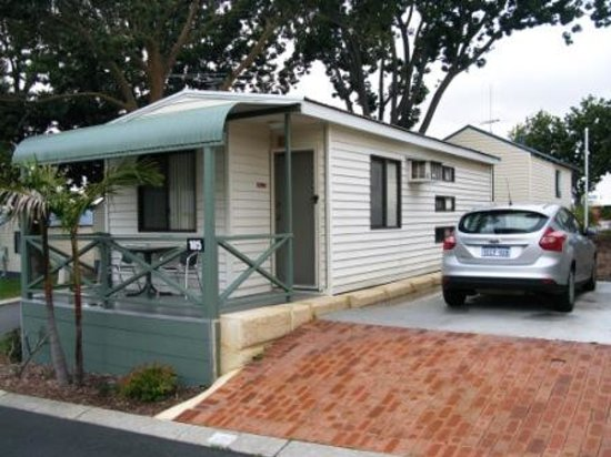 Karrinyup Waters Resort: The Cabin with parking