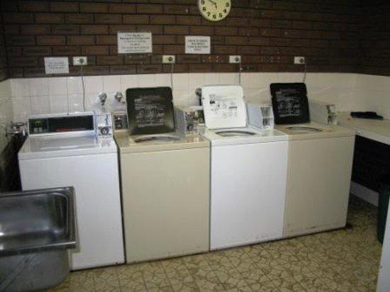 Karrinyup Waters Resort : The laundry