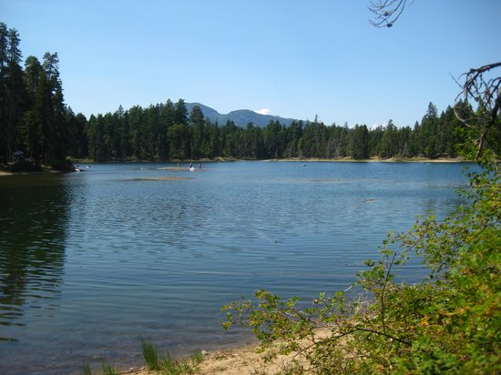 Spider Lake Provincial Park: View of part of the lake.
