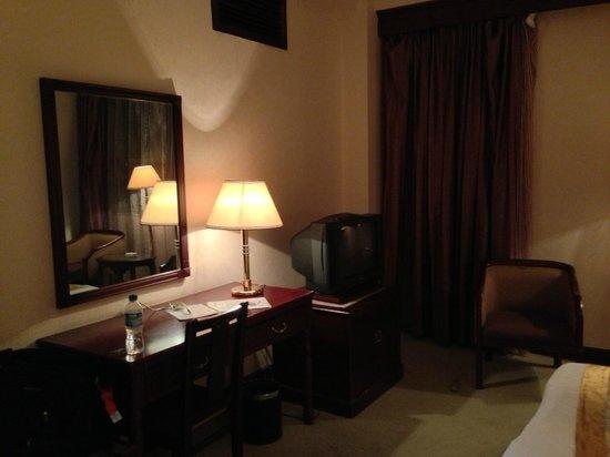 Kunming Jinjiang Hotel : 昭和的な内装。