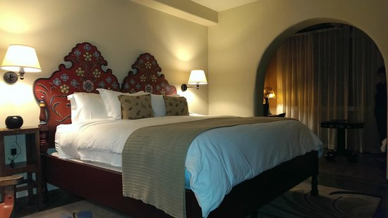 La Fonda on the Plaza: Our Newly Renovated King Room
