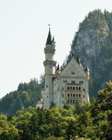 Johns Bavarian Tours: Neuschwanstein castle seen from Hohenschwangau