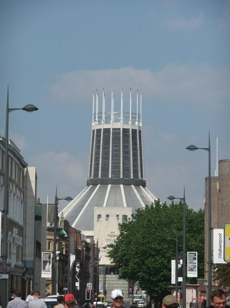 Liverpool History Taxi: Catholic cathedral