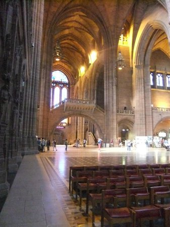 Liverpool History Taxi: inside the Anglican cathedral