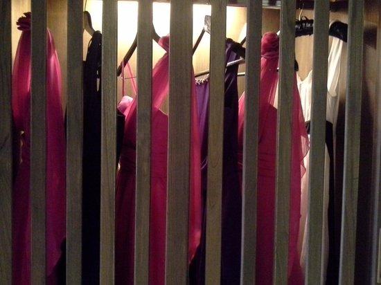 Hansar Samui Resort: our bridesmaid dress