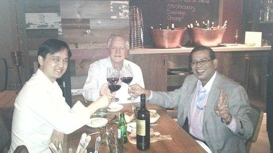 Siro Urban Italian Kitchen : I and my friends toasting