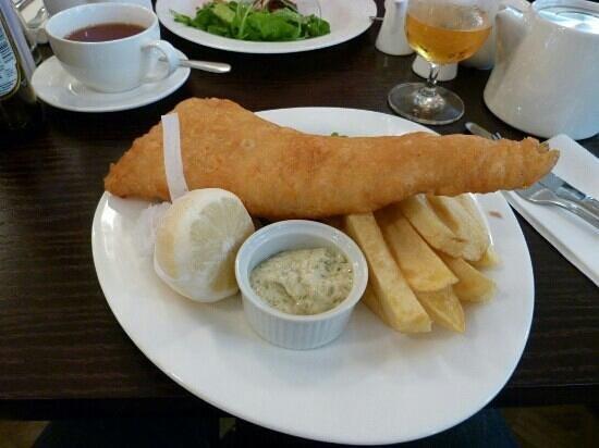 Oscar & Bentleys: Beer battered gluten free fish and chips.