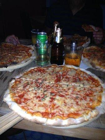 Caffe Milano : pizza maegherita