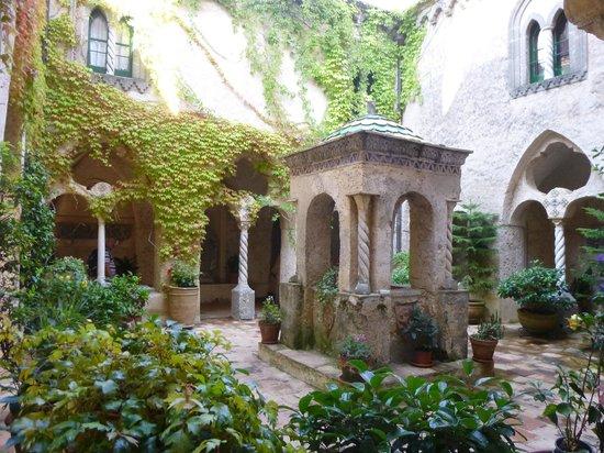 Medieval cloister foto di giardini di villa cimbrone ravello tripadvisor - Giardini di villa cimbrone ...
