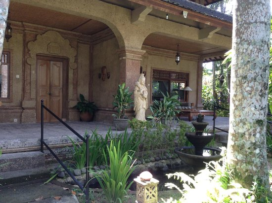 Taman Rahasia Tropical Sanctuary & Spa : front view of some of the rooms on the ground floor.