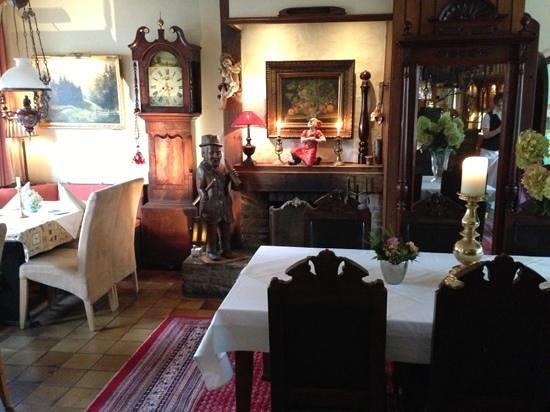 Zum alten Brunnen: restaurant