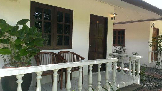 Tropical Resort : Front view of the room