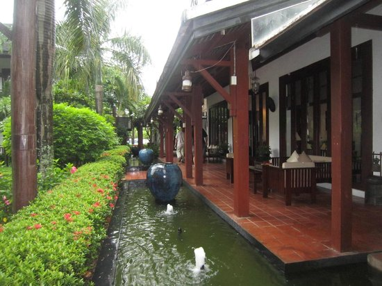 Green Park Boutique Hotel : Moat outside reception