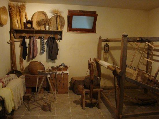 Mulino ad Acqua - Museo Cavallo d'Ispica: Stanza della tessitura del museo annesso al mulino