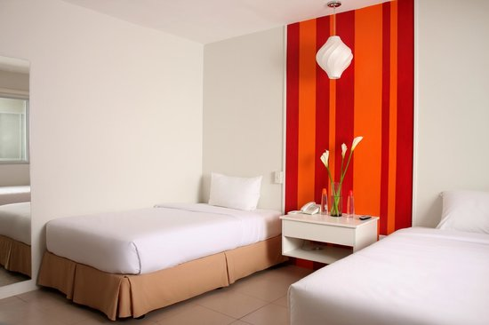 Escario Central Hotel: Red Room
