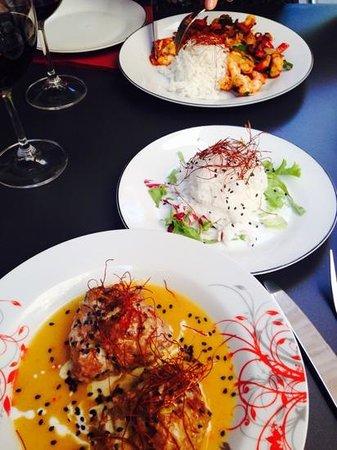 Azur Dubrovnik : meat balls,rice, chilli prawns
