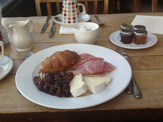 The Swan Hotel: Breakfast, continental option