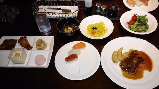 Hotel Harvest Nasu: 夕食バイキング。