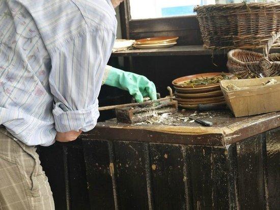 Au Pied d'cheval : ouverture des huîtres devant vous