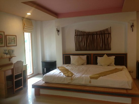 Koh Tao Montra Resort & Spa: bett