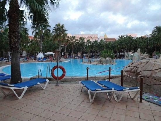 Vera Playa Club Hotel : Zona de la piscina-solarium
