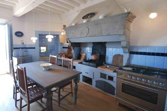 La Cucina Il Camino Picture Of Appartamenti Ermenegilda Cortona Tripadvisor