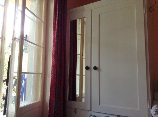 Grischalodge Hotel Post : Closet in the room
