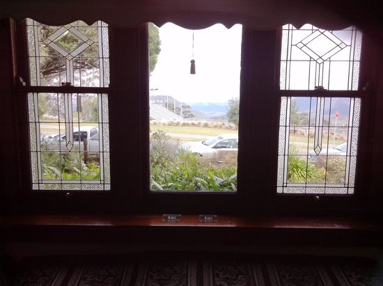 Windradyne Boutique : View of The Blue Mountains from our bedroom