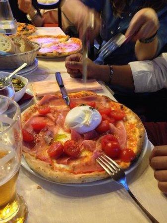 Il Picchio: fenomenale buttata fresca davvero e crudo vero Parma figata ;-)
