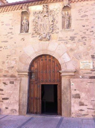 Alba de Tormes, Spanyol: sepulcro de Sta Teresa