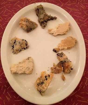 Il Melograno: plate of cheese