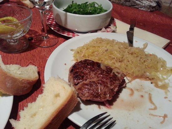 Camping Bijela Uvala : Carne deliziosa!