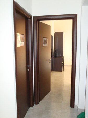 B&B Cialdini13: entrance