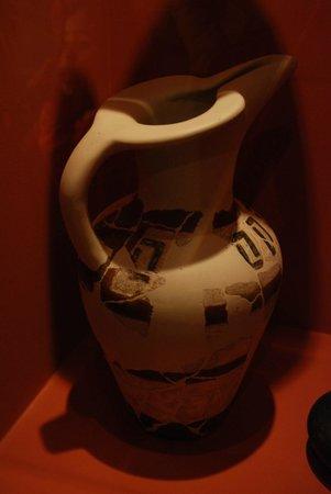 Museum Hallstatt: Ceramic jug (Hallstatt culture)