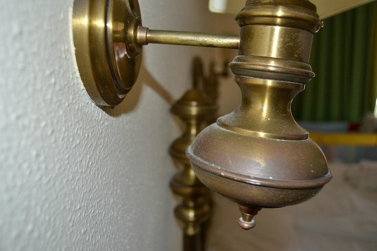 S'Agaro Hotel: mobiliario feo y desfasado lleno de suciedad/ dirty old furniture