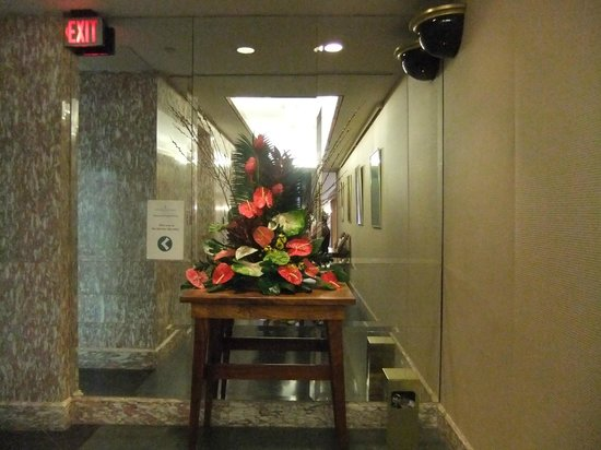 Hawaii Prince Hotel Waikiki : Lift lobby