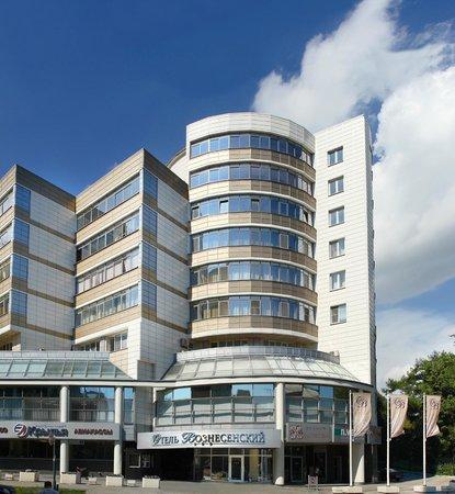 Voznesensky Hotel: Фасад