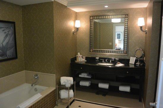 Waldorf Astoria Orlando : sdb room